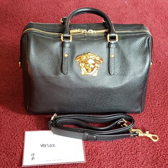1c8cdf9c5 Authentic Versace Palazzo Duffle Bag, gold medusa.  M_5beef4f3bb76156776332b8e